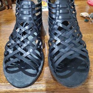 Tommy Bahama Prinia Gladiator sandals  Size 7